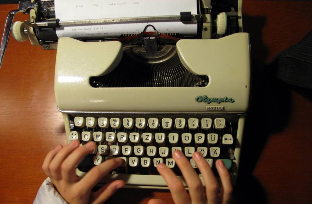 Maquina de escribir con la que autoeditar tu libro