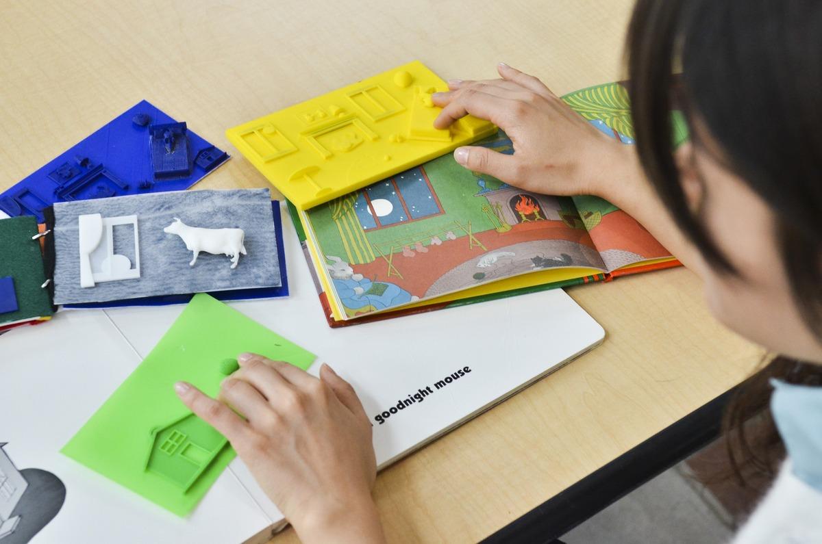 Los niños ciegos también disfrutarán de libros ilustrados gracias a la impresora 3D