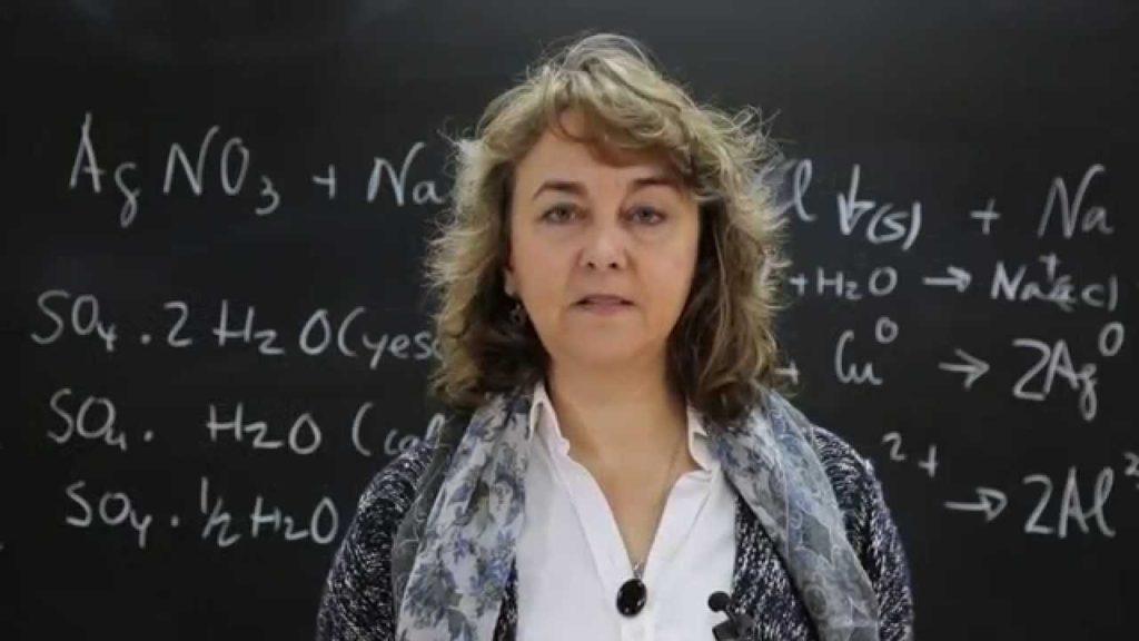 Adela Muñoz Páez, científica española
